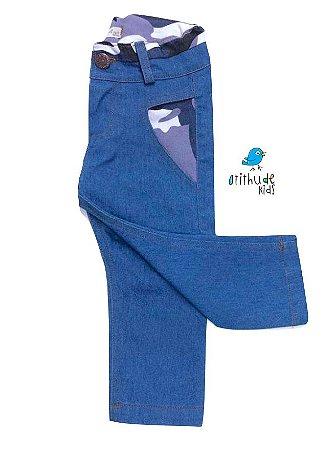 Calça Jeans -  Jeans Azul com detalhes camuflado| COM ELASTANO