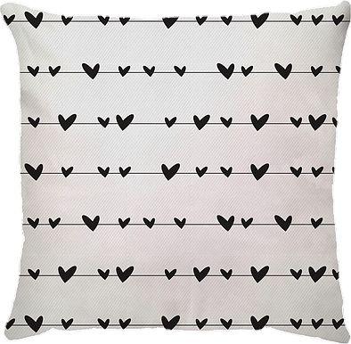 Capa de Almofada Varal Corações Preto