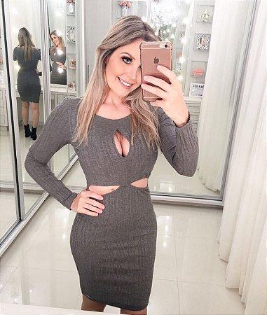 Vestido Recortes Chumbo