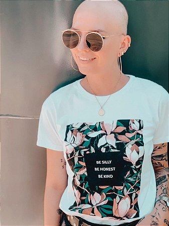 "T-shirt ""Seja bobo,seja honesto,seja amável"""