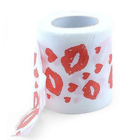 Papel higiênico com marcas de beijos de batom