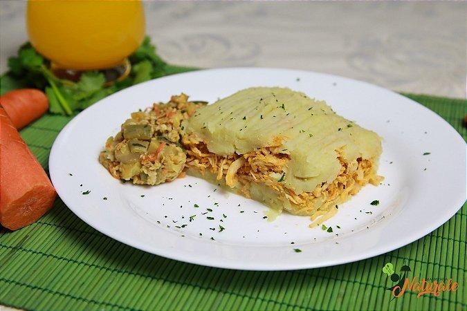 FIT10 - Escondidinho de frango com purê de batata doce e abobrinha refogada com aveia