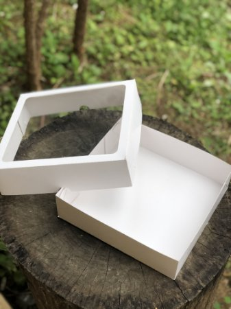 Caixa Branca para 25 Doces Com Visor - 10 unid.