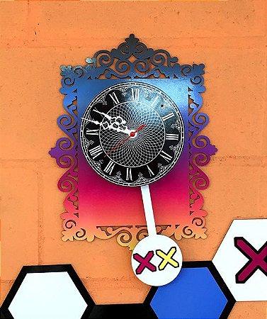 Relógio com Pêndulo em MDF de 3 mm recortado a Laser e com ponteiros estilizados