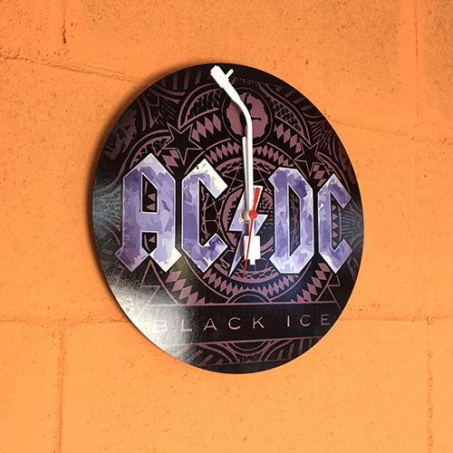 Relógio em MDF de 3 mm recortado a Laser e com ponteiros estilizados