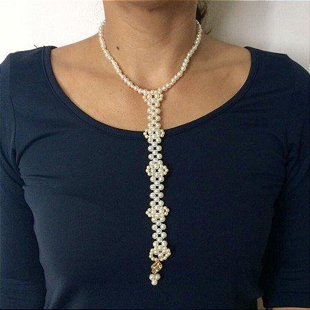 Colar feminino gravata com pérolas