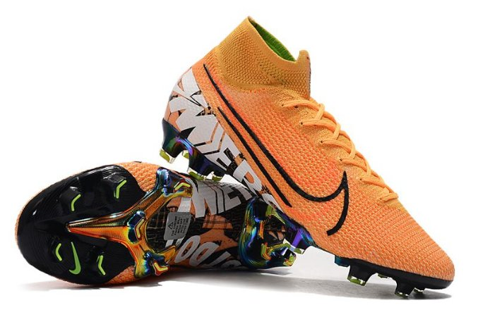 CHUTEIRA NIKE MERCURIAL SUPERFLY 7 ELITE CAMPO