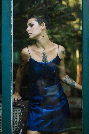 Vestido recorte assimétrico azul marinho