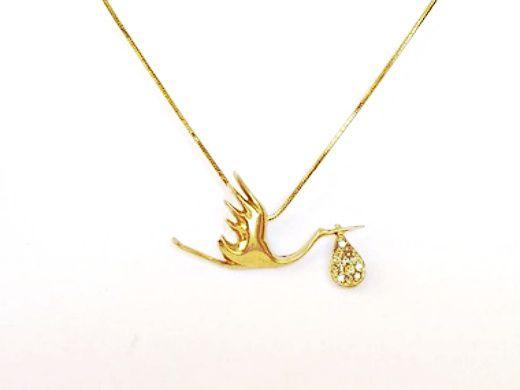 a857e1b33ce1e Pingente em ouro e diamantes de cegonha para mamães - Valenco, joias ...