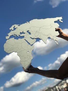 Mapa Mundi MDF Fronteiras - Cinza