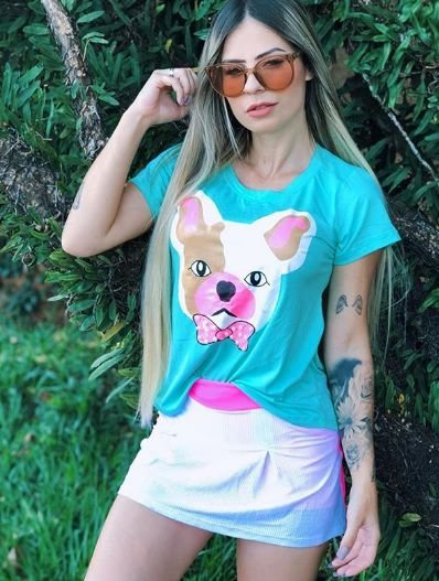 T-shirt Estampa com detalhe aplicação em pérolas, COMBO NO ATACADO, 5 unidades, cores e estampas variadas.
