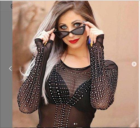Body Feminino em tule transparente com APLICAÇÃO NA FRENTE E NAS MANGAS