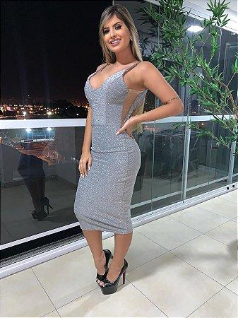 Vestido Midi Moda Kim Kardashian, Com Bojo, Detalhe Lateral aberto com tule ilusion. Tecido Lurex