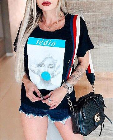 T-Shirt Feminina Tédio