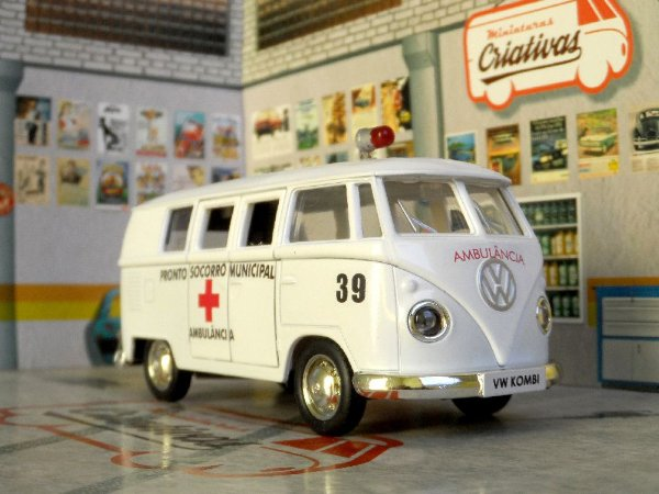 Black Friday - Kombi Ambulância Pronto Socorro