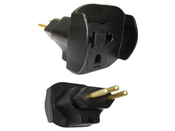 Adaptador de Plug Universal 2P+T 10A