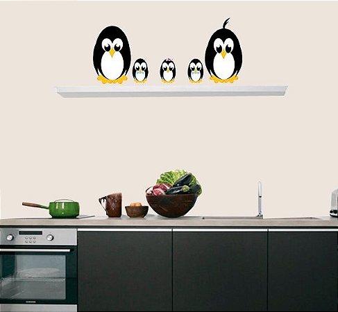 Adesivo de Cozinha - Família Pinguim 49x49cm