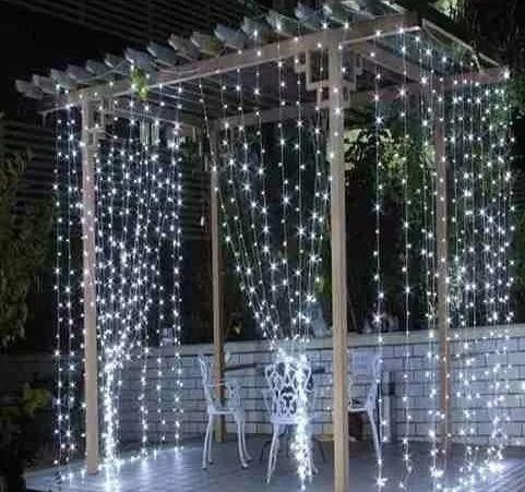 Cortina de LED 300 LEDs Cascata Branco Frio 110V