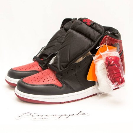 0377c82ddd0 Nike Air Jordan 1 Retro