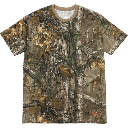 "Supreme - Kit com 2 Camisetas Hanes Realtree ""Camo"""