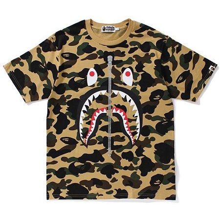 "BAPE - Camiseta 1st Camo Shark Zip Up ""Yellow"""