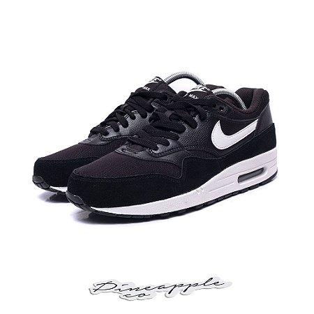 "Nike Air Max 1 Essential ""Black/White"""