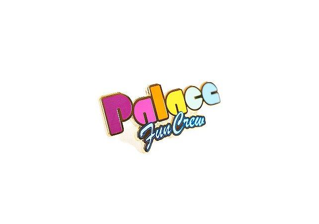 PALACE - Pin Fun Badge