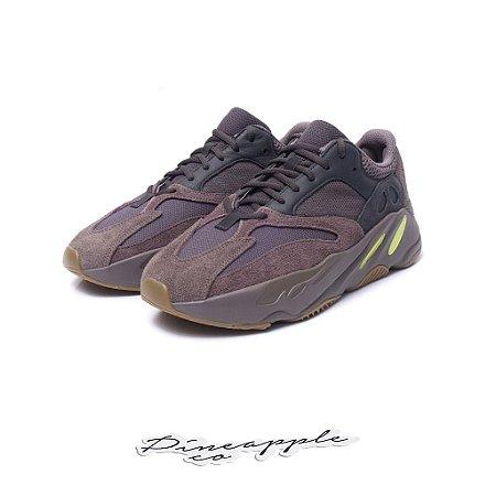 "72943395f0ff8 adidas Yeezy Wave Runner 700 ""Mauve"" -NOVO- - Pineapple Co."