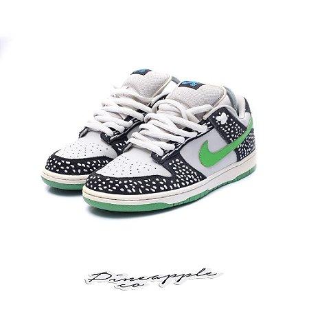 """Nike SB Dunk Low """"Loon"""" (2010)"""