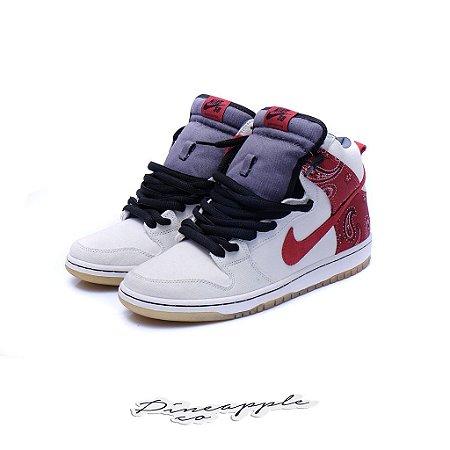 "Nike SB Dunk High ""Cheech & Chong"" (2011)"