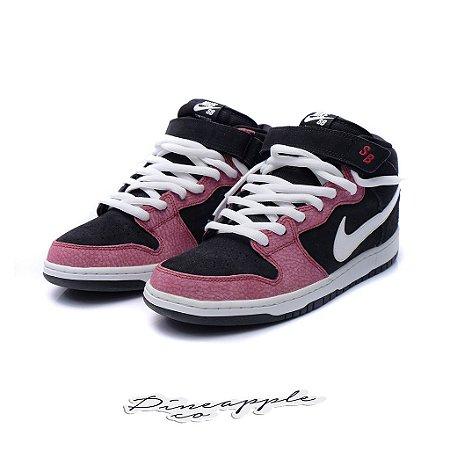 "Nike SB Dunk Mid ""Black/White/Gym Red"""