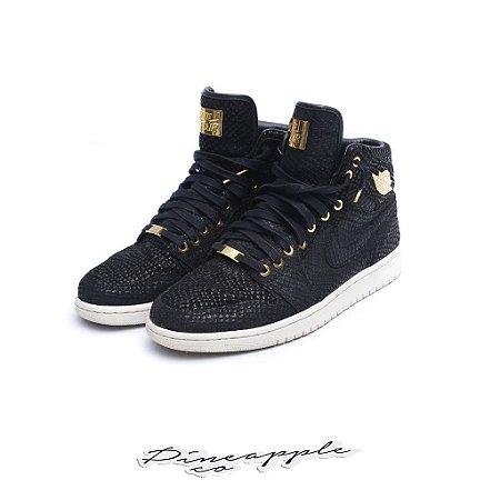 "Nike Air Jordan 1 Retro Pinnacle ""Black"""