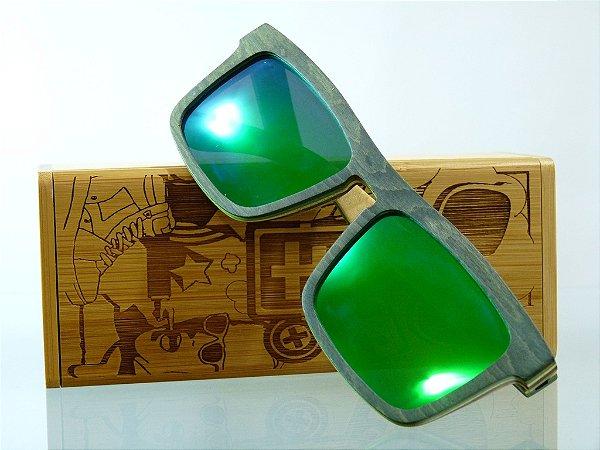 Bronco - Armação Preta com verde - Lente Verde