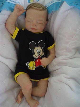 Bebe Reborn  Menino com 2,15 kg e 53 cm aprox. Cabelos castanhos escuros enraizados/pintados, corpo de tecido