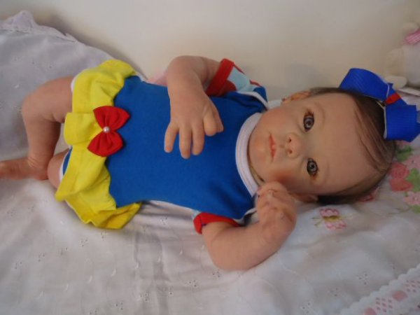 bebê reborn menina com 2 kg e 53 cm