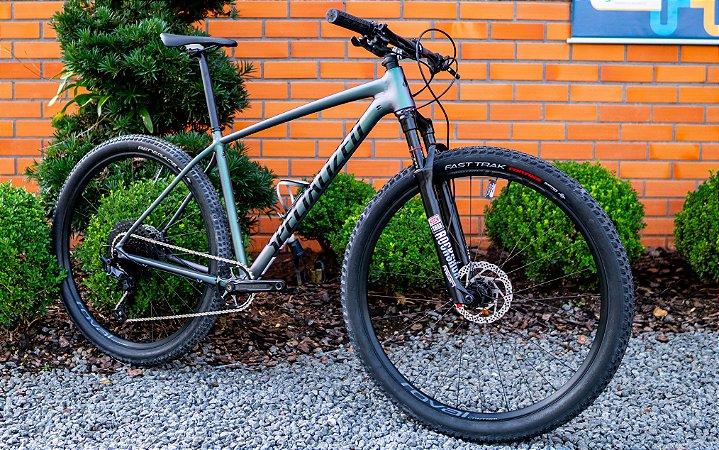 Bicicleta Specialized Chisel CUSTOMIZADA e com UPGRADES.
