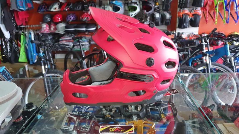 CAPACETE BELL - SUPER 3R - MIPS - REMOVIVEL