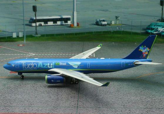 Phoenix 1:400 Azul Airbus A330-200 Tudo Azul