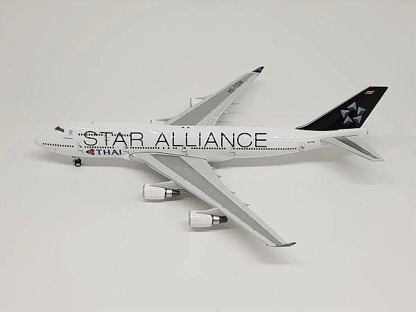 """Phoenix 1:400 Thai Boeing 747-400 """"Star Alliance"""""""