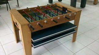 Mesa de pebolim com ping pong