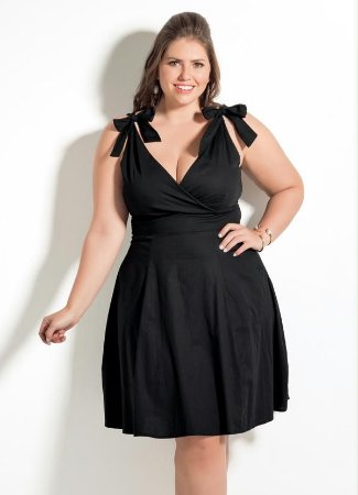Vestido Plus Size Decote V  Preto