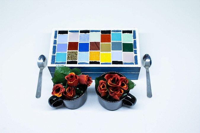 Kit presente - caixa em mosaico com canecas