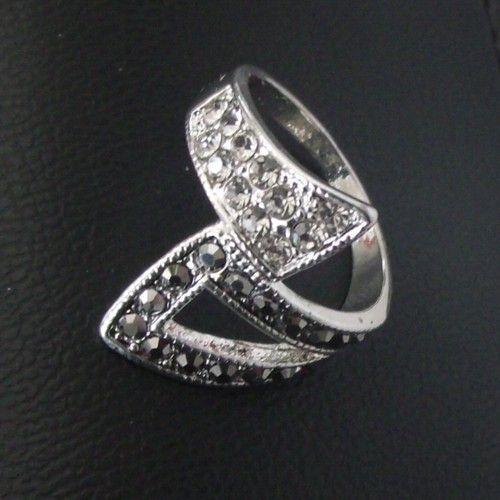 Anel de Brilhante Pedra Strass Poder da Luz Model D1 em Prata 925 Coleção Joias da Rainha