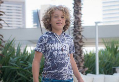 Camiseta Infantil Menino com Capuz