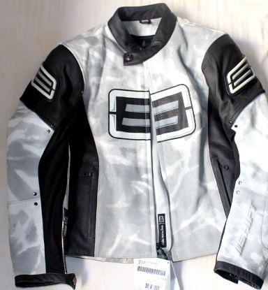 Jaqueta de couro tamanho S (pequeno)