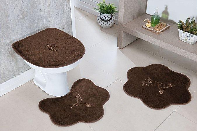 Kit Tapete Banheiro Formato 3 Peças Antiderrapante Beija Flor Café