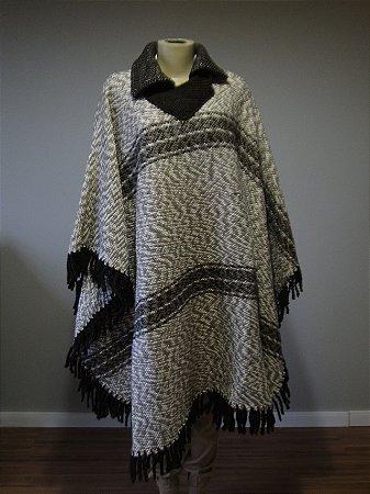 Poncho de Lã Artesanal (M)