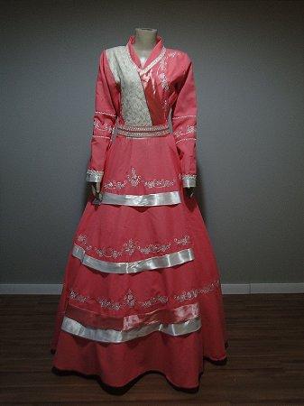 Vestido de Prenda Rosa Bordado com Renda e Cetim (38)