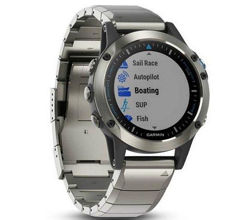 Relógio Multiesportivo Náutico Garmin Quatix 5 Safira Prata com Monitor Cardíaco no Pulso