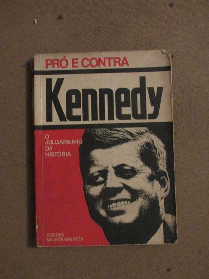 Livro Pró e contra Kennedy Autor Roberto Margotta (1975) [usado]